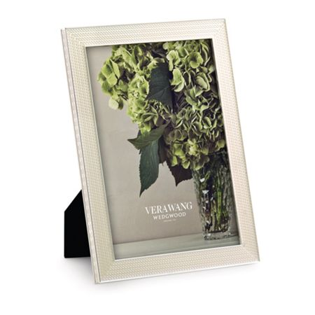 Wedgwood Vera wang with love nouveau pearl photo frame 5x7