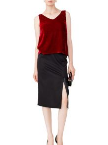 MAIOCCI Collection Sleeveless V-Neck Stretch Top