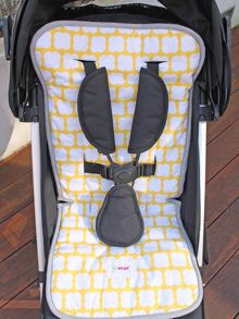 Minene Yellow Puffs Pushchair Liner