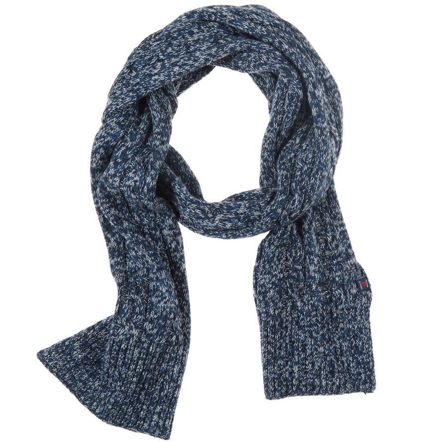 Kid`s cable knit scarf