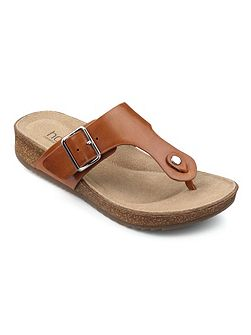 Resort toe-post sandals
