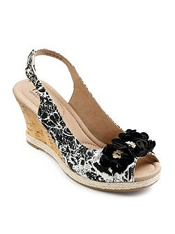 Padded peep toe wedge with buckle