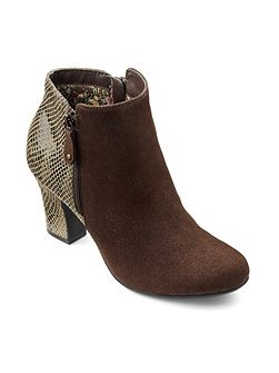 Divine ladies stylish ankle boot