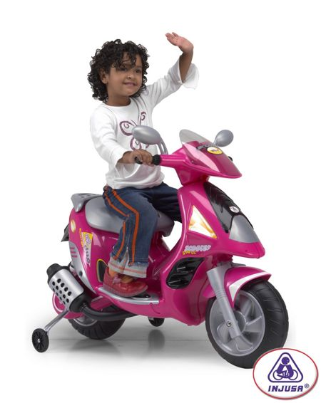 Injusa Pink Scooter Duo 6 Volt - With Play Helmet