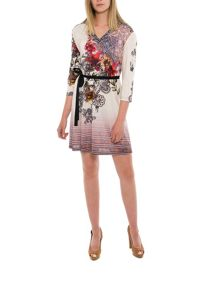 Smash Celandia three quarter sleeve printed shift dress
