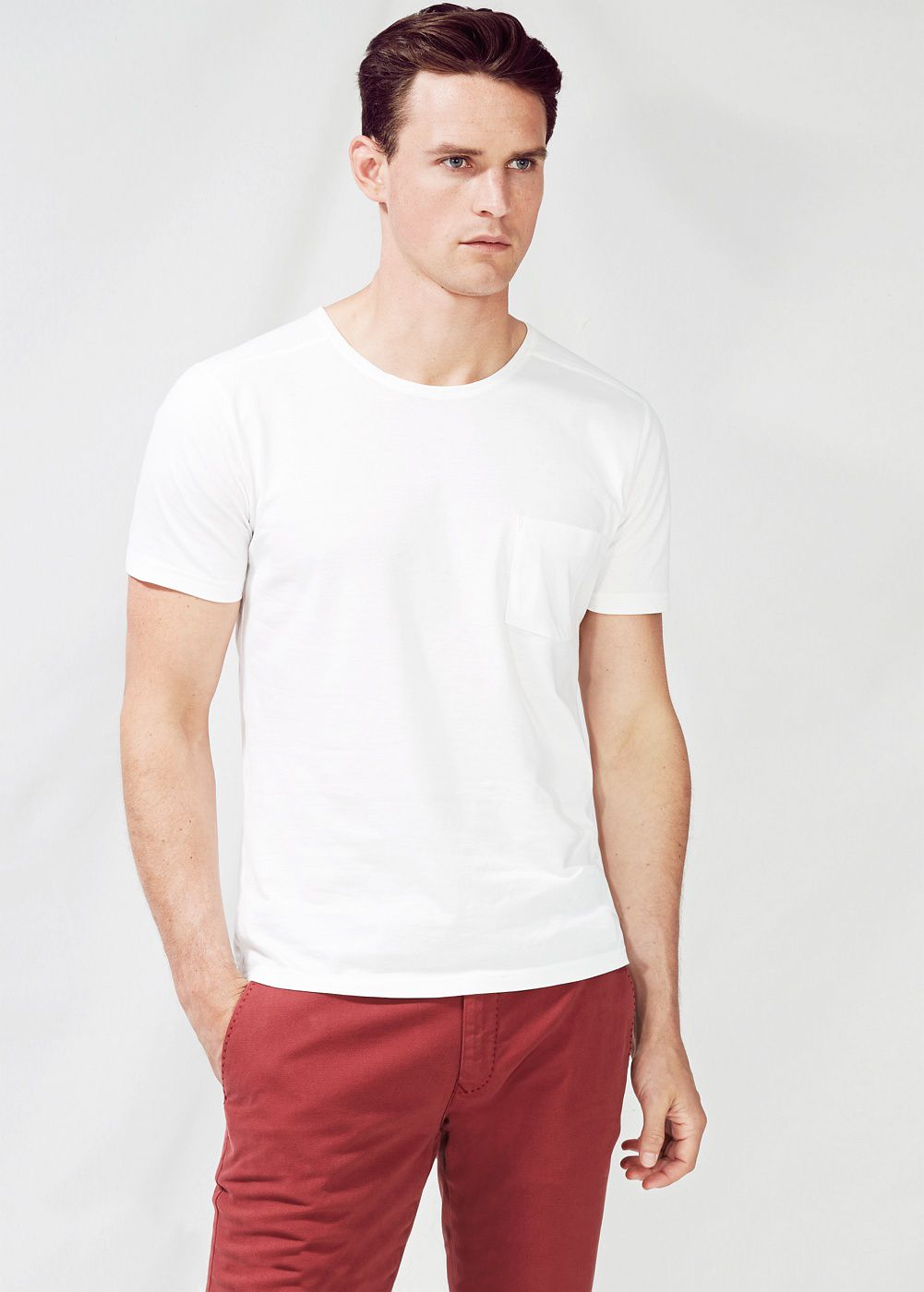Chest-pocket t-shirt