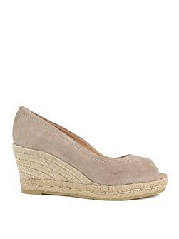 Luna wedge pumps