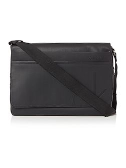 Tom flat crossbody bag