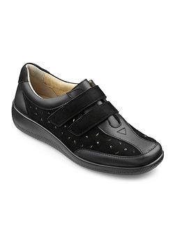 Maryland ladies touch close shoe