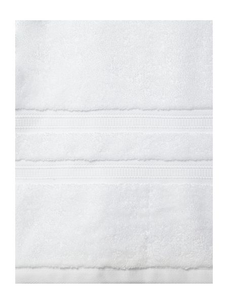Luxury Hotel Collection Supima Cotton Hand  Towel in White