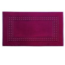 Country  bath mat in cranberry/ivory