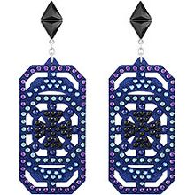 Belle geometric pierced earrings