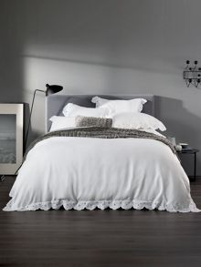 Sheridan Nerrida euro pillowcase