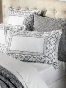 Sheridan Wheatly pair oxford pillowcases