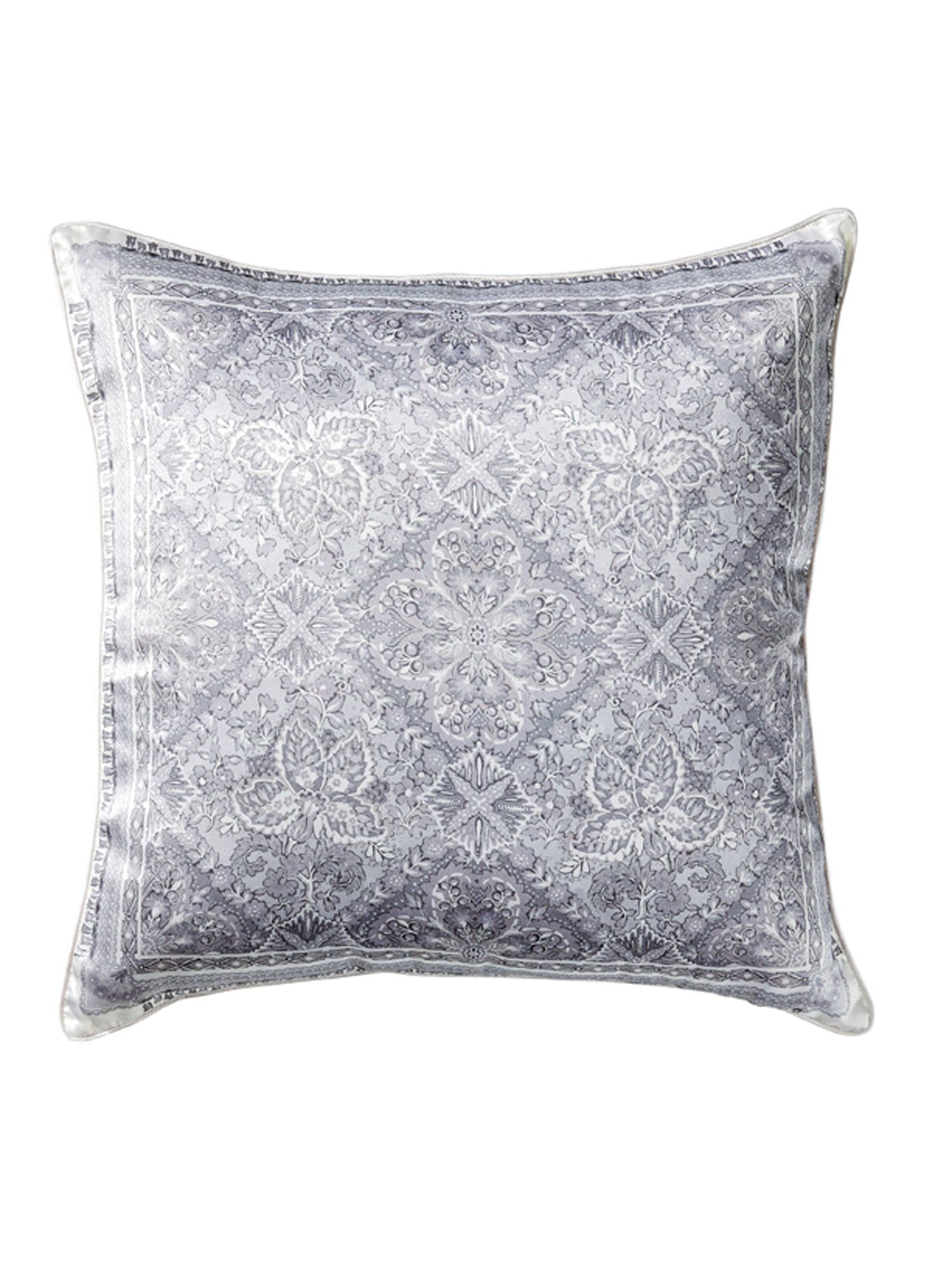 Godot ivory cushion, 100% silk
