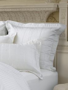 Berkley snow quilted square pillowcase, 100% silk