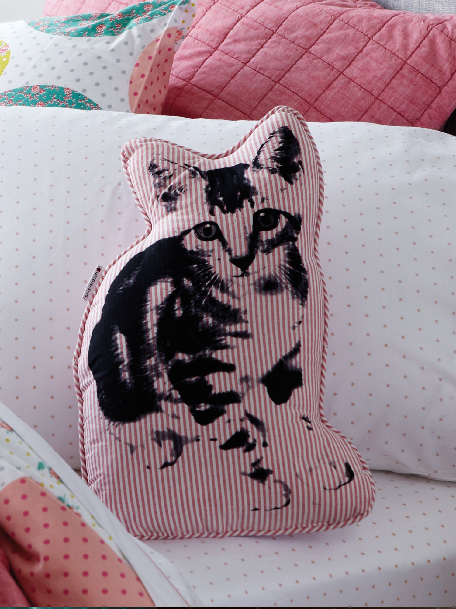 Sadie shell pink cushion cat