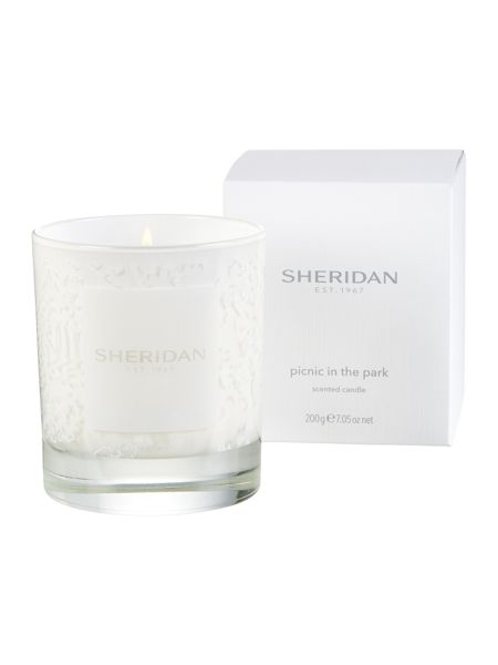 Sheridan Picnic in the park candle