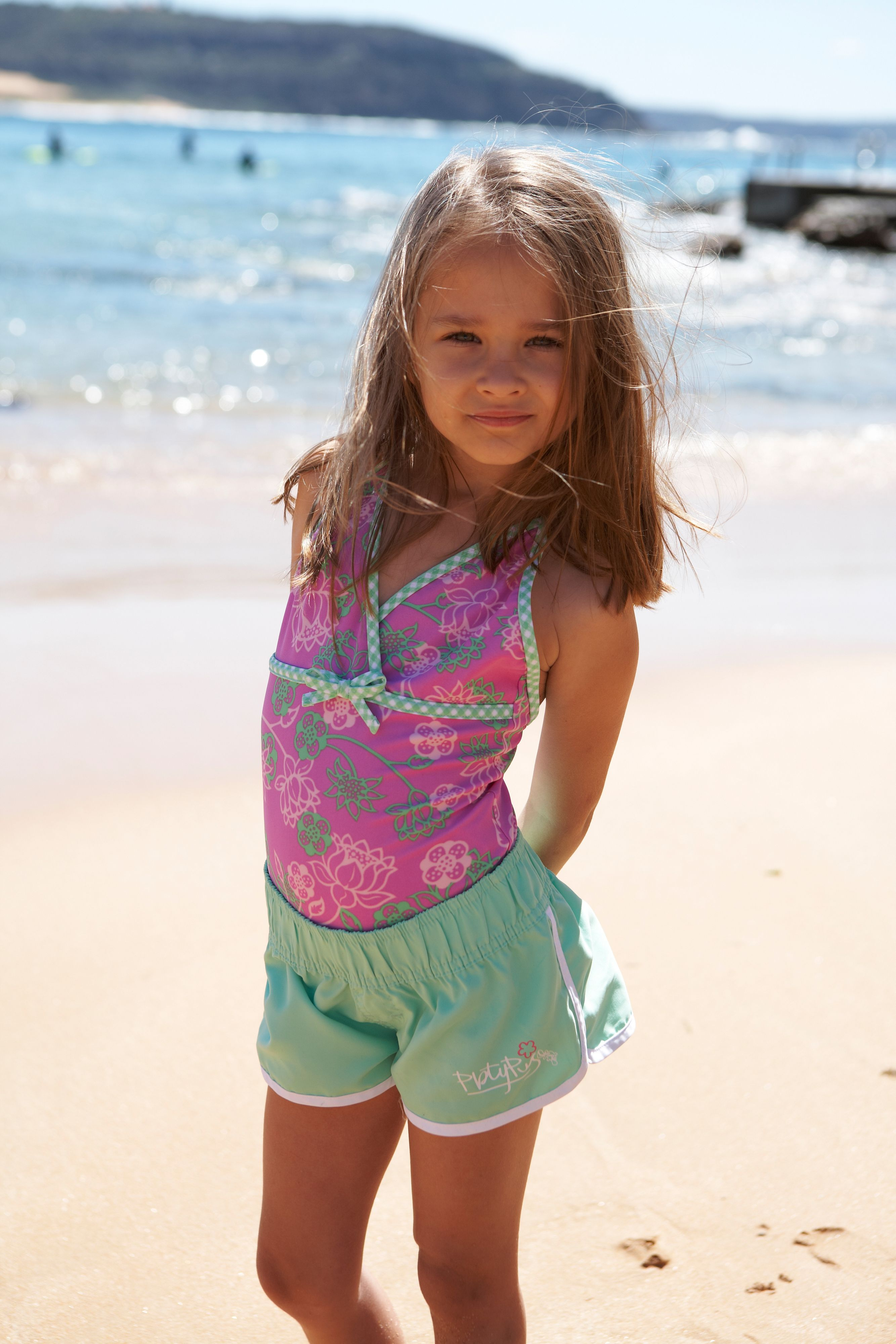 Girl`s shortie boardie