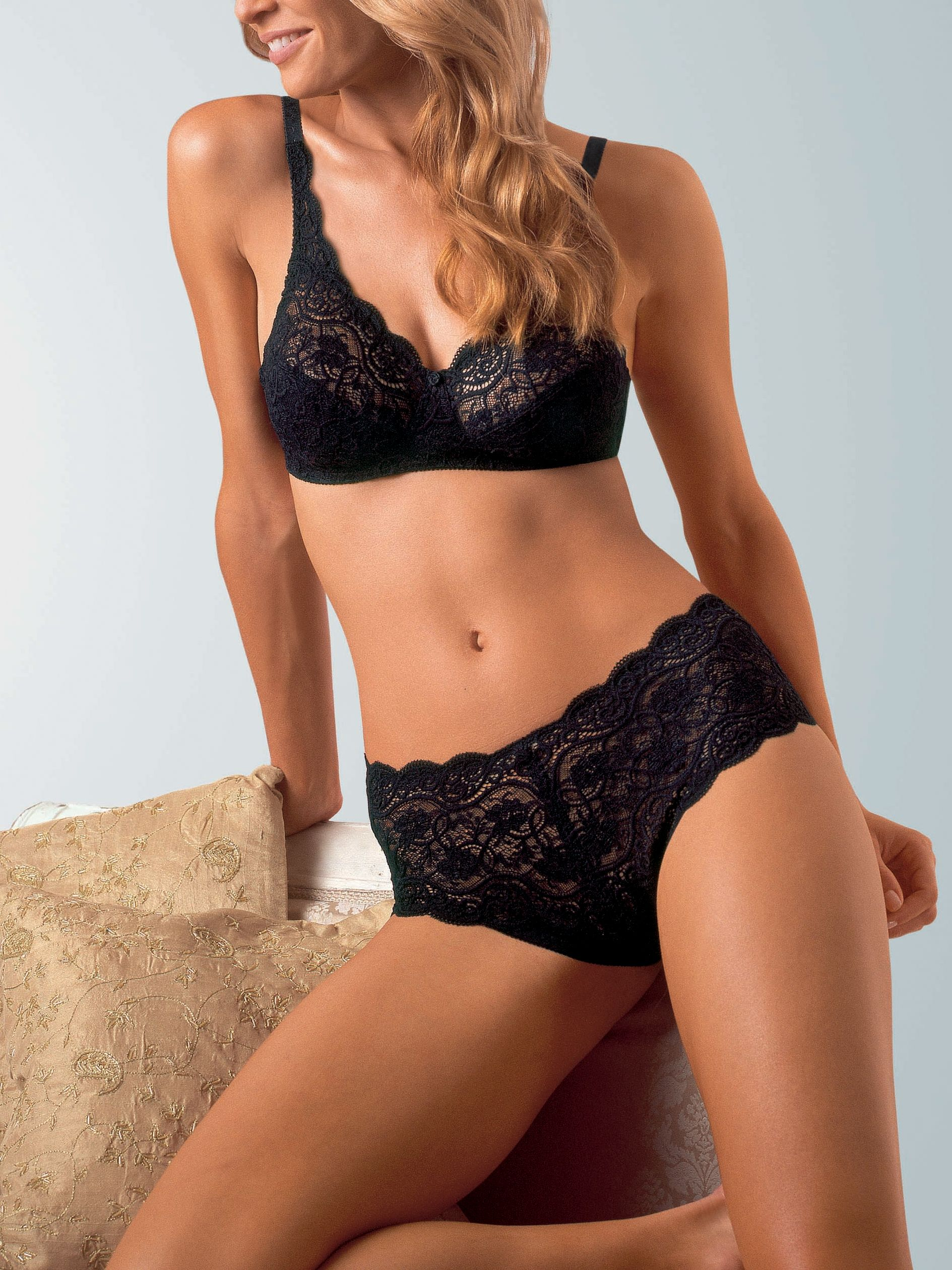 Amourette 300 Lingerie Collection