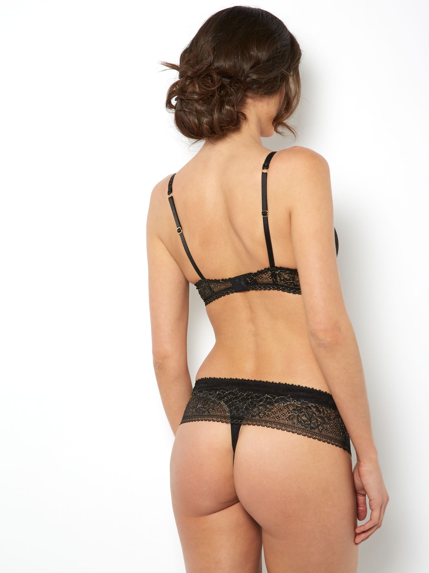 Lace Range in Black