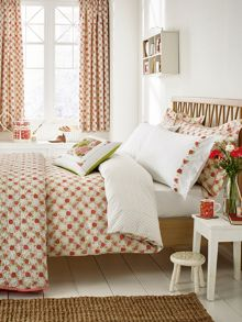 Julie Dodsworth Rose Cottage bed linen range