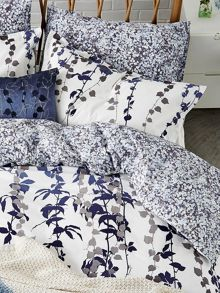 Clarissa Hulse Boston Ivy bedlinen range in Indigo