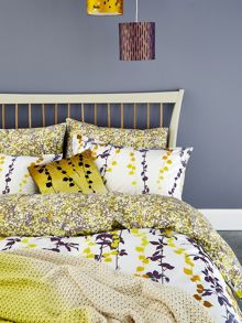 Clarissa Hulse Boston Ivy bedlinen range in Sulphur