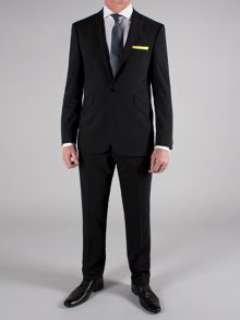 Plain single breasted suit with lapels