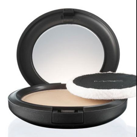 M·A·C Blot Powder/ Pressed
