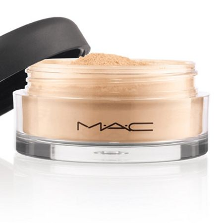 M·A·C Mineralize Foundation/Loose