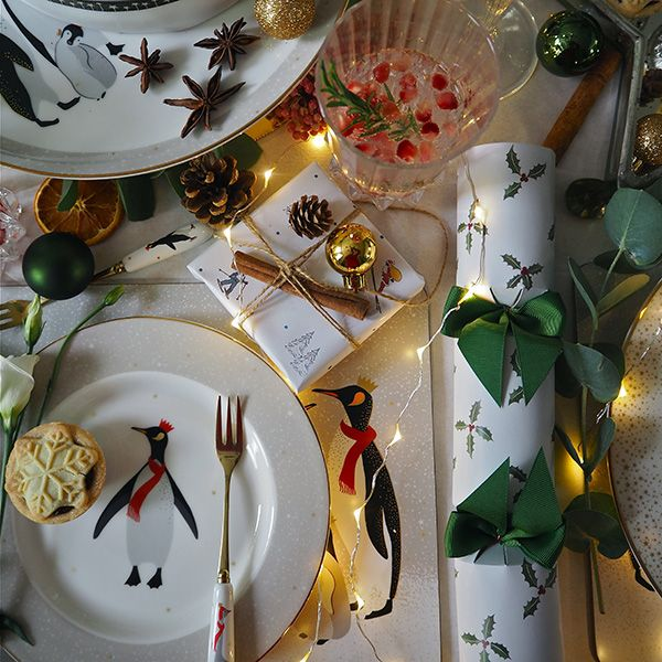Merry Tales Christmas Dining Range